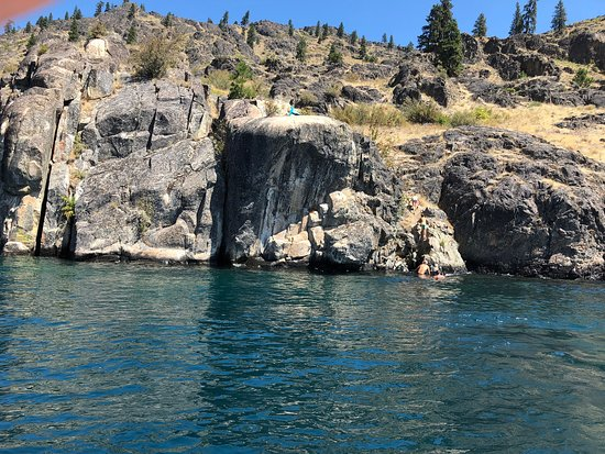 Diving cliffs. Not for the timid