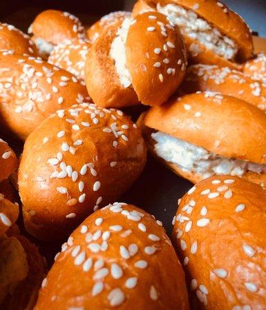 Loire-Atlantique, ฝรั่งเศส: Navette de pain à la tomate, rillettes de poisson crémeuse