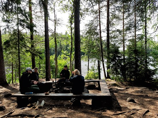 Liesjarvi, Finlandia: Lunchtime after a pleasant walk over kyynäränharju ridge.