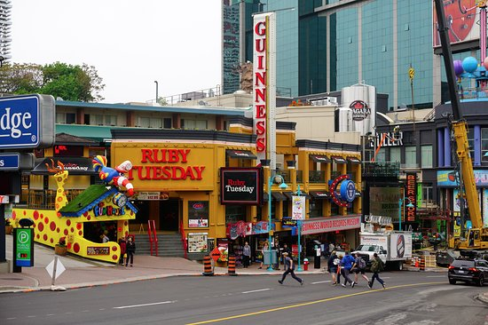 Niagara Falls Small-Group Day Tour from Toronto: Niagara town that caters to children as far as attractions go