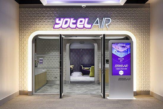 Yotel Lounge At Paris Airport Review Of Yotelair Paris