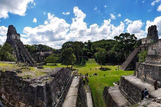 Tikal dagstur med flytransport