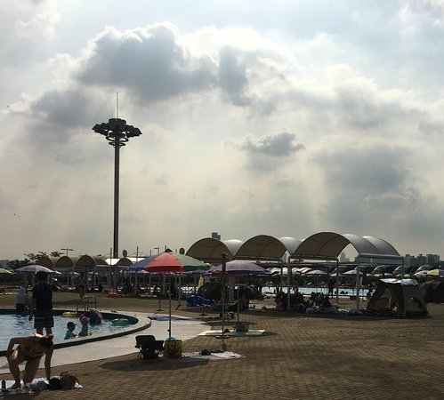 Gwangnaru Hangang Park Outdoor Swimming Pool