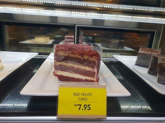 Average Tasting Cakes