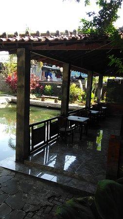 Gamping, Indonesia: Fasilitas: Joglo, Gazebo, Musholla, Toilet, Area Parkir, kolam pemancingan dll