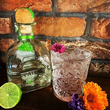 Holmfirth Tavern: Pink Limonada Cocktail