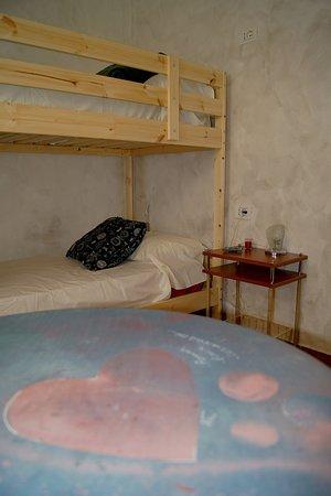 Tufillo, Italie : CasArmonia: camera a 2 letti (letto a castello)