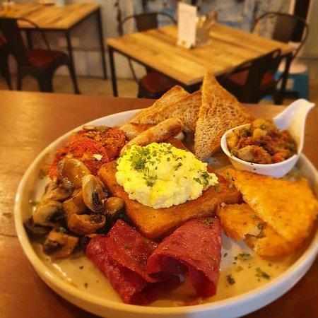 gavel's Big Breakfast