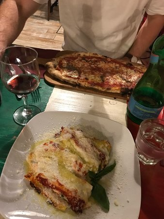 Sotto Pizzeria: Our dinner