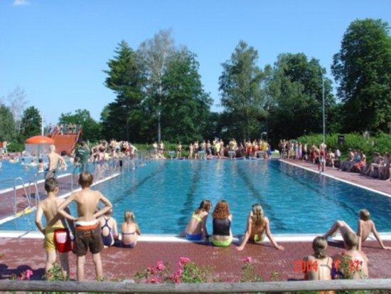 Heidenau, เยอรมนี: 25m wettkampfgerechtes Schwimmerbecken
