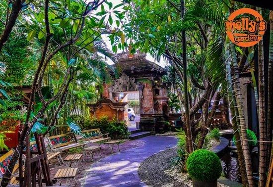 Melly's Garden  Jln. Kebon Sirih Timur Dalam No. 37 - 39 Kebon Sirih - Menteng - Jakarta Pusat