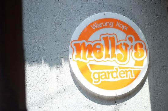 MELLY's Garden: OPEN Daily from 6 am
