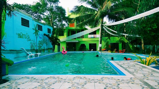 Mamburao, Filipini: Swimming pool amenity