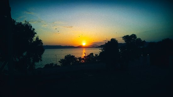 Kanava, Grecja: 💖🇬🇷🌅The beautiful sunset, full of unique colors that will seduce you.🌅🇬🇷💖