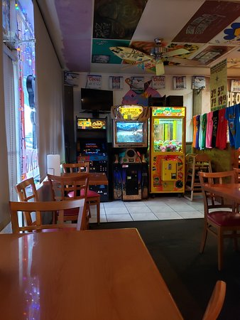 Fat Jack's Restaurant: Retro gaming.