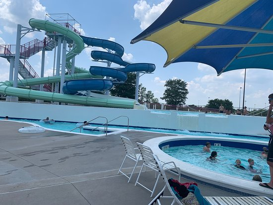 ‪The Springs Aquatic Center‬