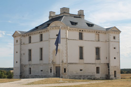 Le château de Maulnes