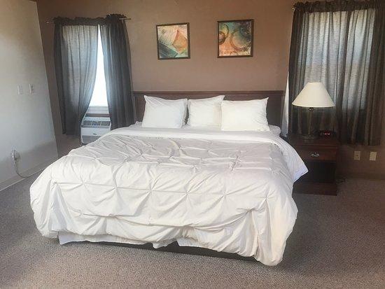 Pictured Rocks Inn & Suites, hoteles en Manistique