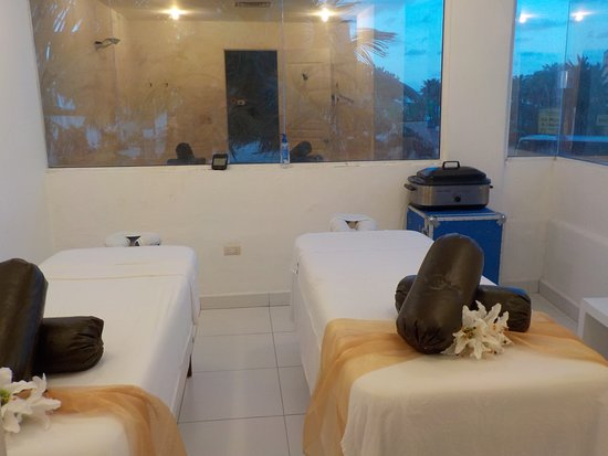 Gold Fusion Spa & Boutique: MASSAGE