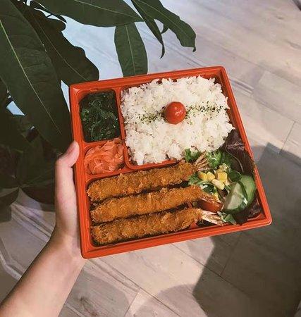Un bento avec des tempuras