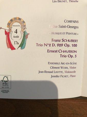 Compains, France : Посетили концерт классической музыки ( Ф.Шуберт и Е.Шуссон) в маленькой уютной церкви Сант-Жорж (13-15 вв.). Это единственная достопримечательность деревни, остатки прежней роскоши. На любителя.
