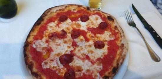Ristorante Enoteca Coluccini Pizza Salame Piccante
