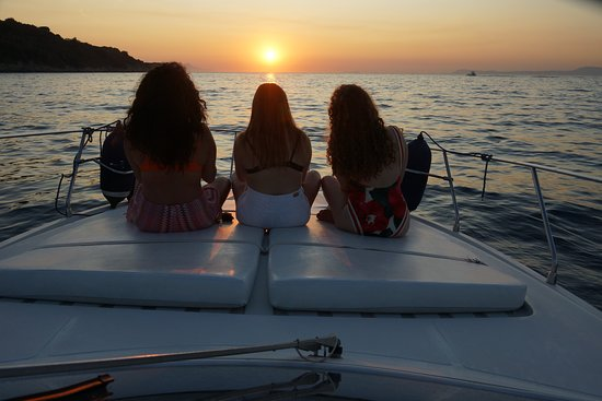 Фотография Amalfi Coast and Capri cruise from Sorrento - yacht 40'