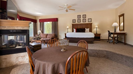 Orofino, ID: One King Suite with Jettedtub