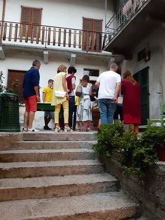 """Naggio, إيطاليا: «DOLCI IN PIAZZA"""" la festa dei dolci di Naggio....sempre una piacevole sorpresa"""
