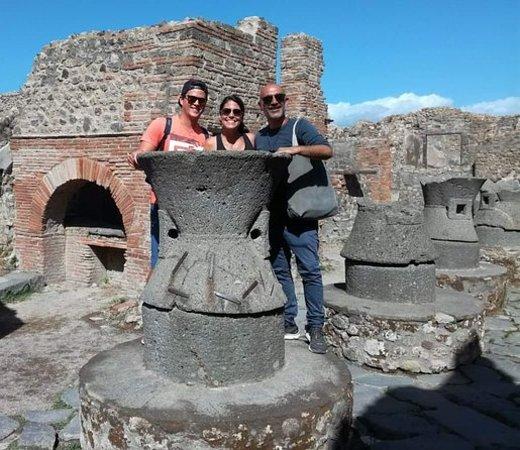 Tur fra Napoli til Pompeji med...
