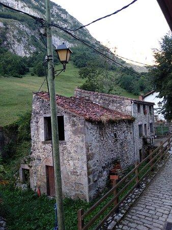 Bulnes, Spania: El Caleyon
