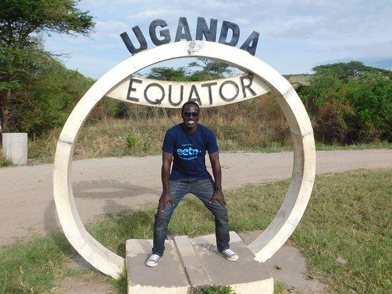 Kayabwe, Uganda: Equator crossing in Kasese