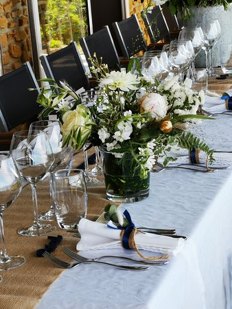 Oingt, Francia: Table mariage terrasse