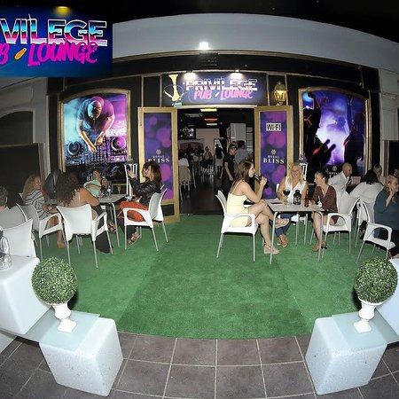 Tías, España: Terraza del Pub Privilege Lounge