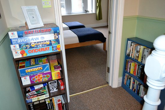 Workington House Bed & Breakfast: Board games and books for guest use