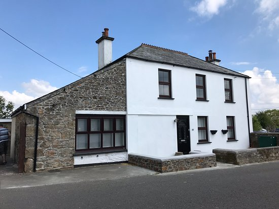 The Old Post Office, Upton Cross - a beautiful, homely place to stay in Cornwall. A real home from home luxuriously fitted out for a perfect holiday. Hot tub, pool table, darts,Sky Q to name but a few.  Would thoroughly recommend this property.