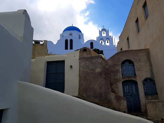 Emporio, Hellas: παραδωσιακο χωριο τις σαντορινης με πολλα καστρα