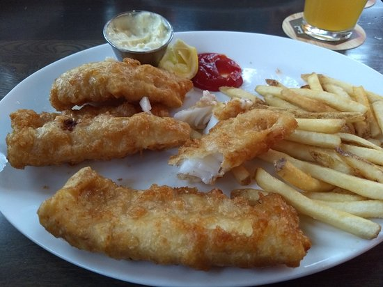 Hackensack, MN : Fish & Chips. (Okay)