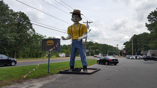 Mr. Bill's of Winslow NJ on Route 73 is a part of Americana we nearly lost!