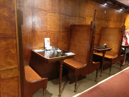 Alcoves for two; they also have alcoves for four and more.