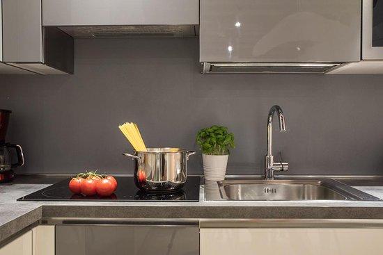 Giudecca, Italia: Piano cottura appartamento x4