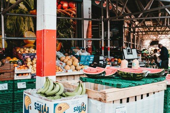 Thailand: Роспотребнадзор опубликовал памятку для туристов, выезжающих в страны с экваториально-тропическим климатом. Про еду и воду: есть пищу, в качестве которой уверены; пить воду в фабричной упаковке; термическая обработка мяса, рыбы; не есть незнакомые продукты и не покупать еду на рынке; выбирать магазины, где продуты в фабричной упаковке;не пробовать еду у местных; продукты быстро портятся без холодильника; овощи и фрукты мойте чистой водой и обдавайте кипятком. И всегда оформляйте страховку!
