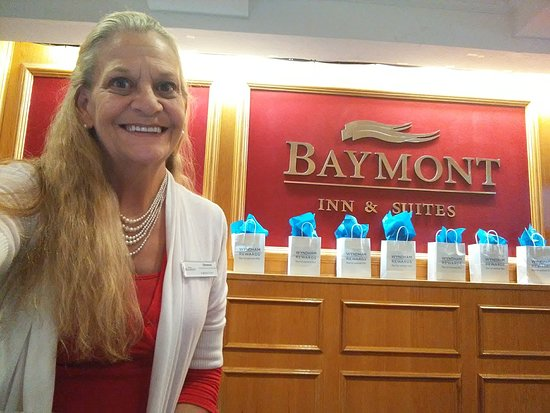 Baymont by Wyndham Plainfield/ Indianapolis Arpt Area: DONNA, THE BEST HOST EVER!
