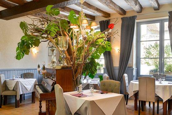 Le Grand-Pressigny, צרפת: Salle de restaurant 