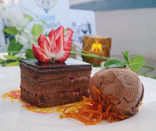 Flatts Village, Bermuda: One of our delicious desserts featured on our Restaurant Week Menu. 