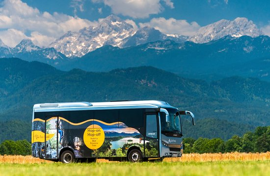 Radovljica, Σλοβενία: Hop-On Hop-Off Bus will drive you from Lake Bled to the countryside