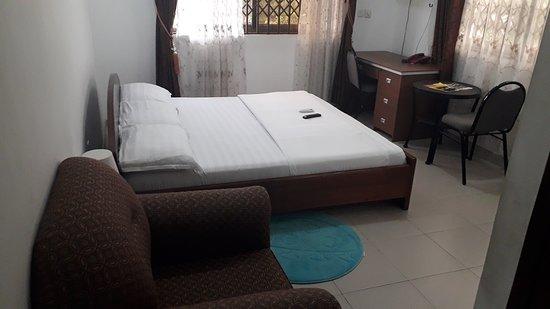 Adenta, Ghana: standard room
