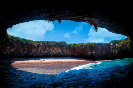 Carrillo Tours - Islas Marietas