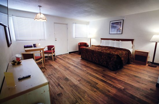 Spanish Trails Inn and Suites