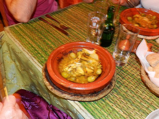 Tajine Wa Tanjia: Tanjine di pollo